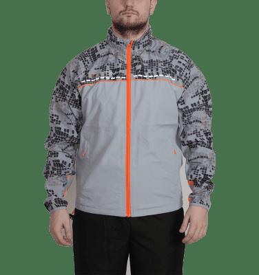 Dobsom Race Jacket Light Grey on tuulenpitävällä kankaalla varustettu ulkoilutakki, joka tuntuu käyttäjälle miellyttävältä. Takkia on saatavana useammalla koko luokalla, S-XL.